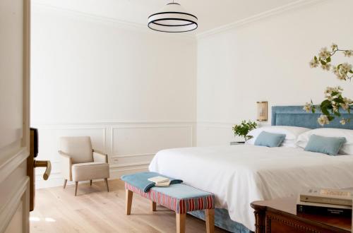 Double Room with Extra Bed Gran hotel Brillante 2