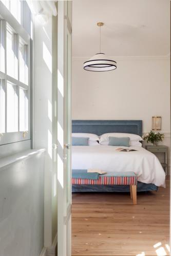 Double Room with Extra Bed Gran hotel Brillante 1