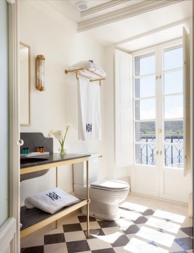 Deluxe Double Room with River View Gran hotel Brillante 5