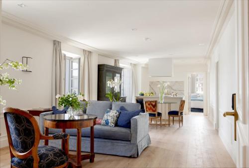Two-Bedroom Apartment Gran hotel Brillante 1