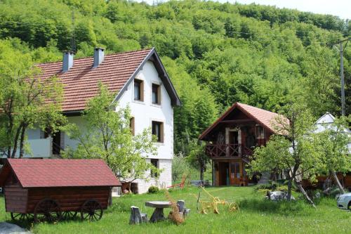 . Ethno Village Štitarica