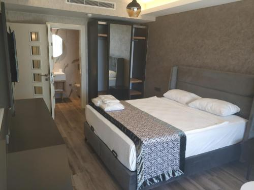 Lovely Home with Shared Pools near Beach and City Center in Alanya - Apartment - Konakli