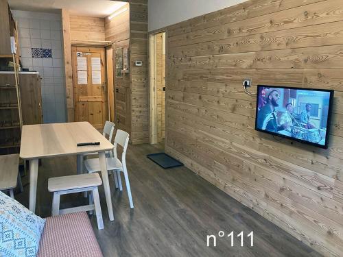 . House Cervinia Apartments