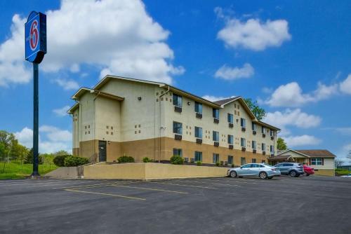 . Motel 6-Montoursville, PA