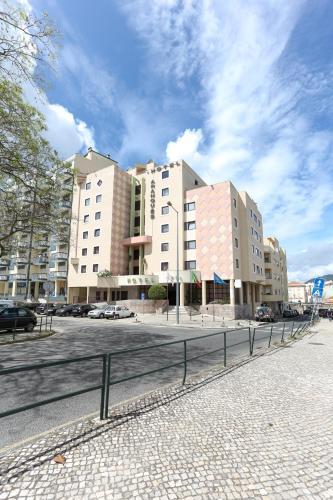 . Hotel Arangues