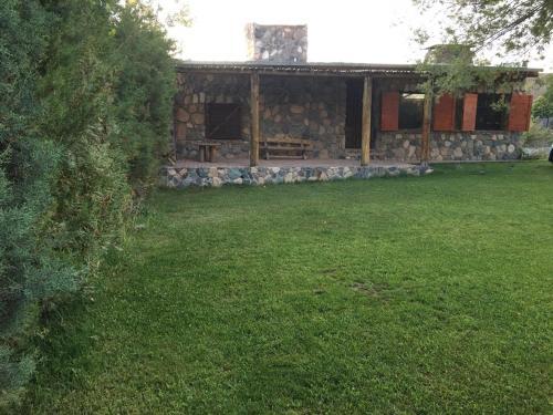 UTU TOCO - casa de piedra en lengua Huarpe - Chalet - Potrerillos