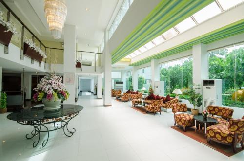The Platinum Suite photo 24