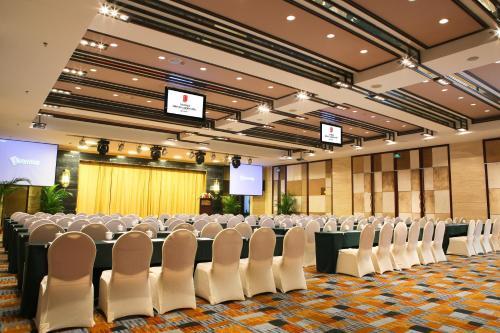 Oriental Garden Hotel photo 9