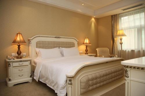 Oriental Garden Hotel photo 12