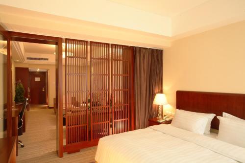 Oriental Garden Hotel photo 32