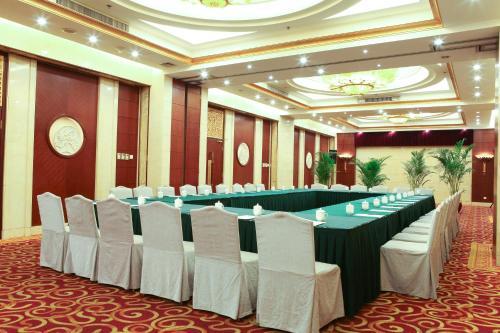 Oriental Garden Hotel photo 42