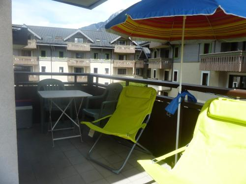 Apartment with one bedroom in Chamonix Mont Blanc with wonderful mountain view furnished balcony and WiFi 400 m from the slopes Chamonix