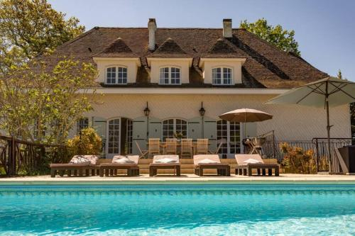 Quiet 50's cottage - 12 p. - Private park & pool