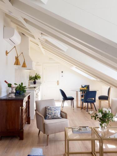 Two-Bedroom Apartment Gran hotel Brillante 4