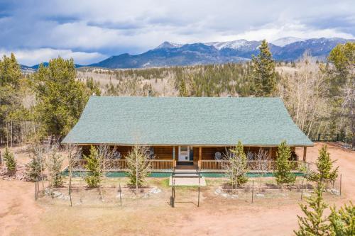 NEW Quiet 3BR Cabin w Peak View near Cripple Creek - Chalet