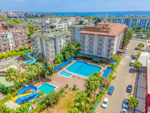 GRAND BAHAMA BEACH OTEL - Hotel - Konakli