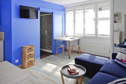 . Studio apartment Port-Louis - BRE04101j-S
