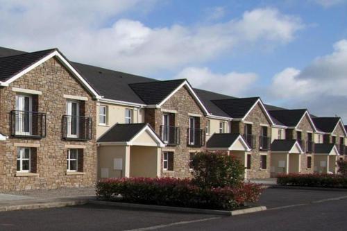 . Terraced Houses Trim - EIR04100c-IYA