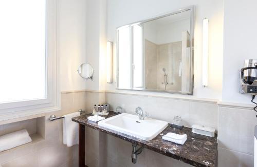 Hotel Claridge Paris photo 11