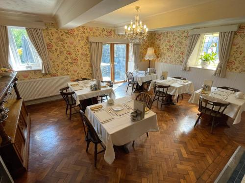 Gwern Borter Manor Bed & Breakfast - Photo 8 of 29