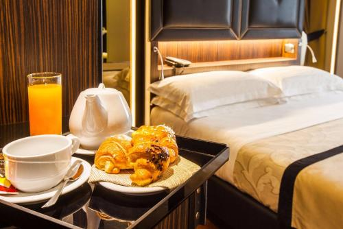 . Hotel Lombardia