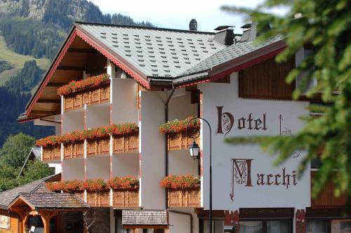 Hôtel Macchi Restaurant & Spa - Hotel - Châtel