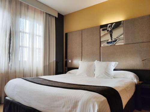 Comfort Doppelzimmer mit Whirlpool  Costa Esmeralda Suites 12