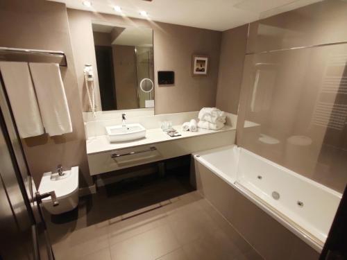 Comfort Double or Twin Room Costa Esmeralda Suites 13