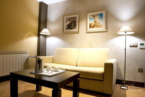 Junior Suite with jacuzzi Costa Esmeralda Suites 7