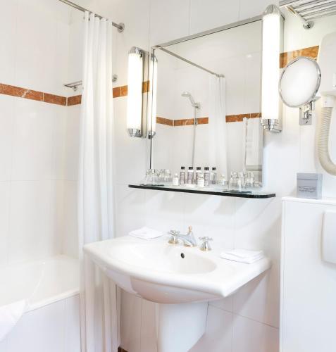 Hotel Claridge Paris photo 17