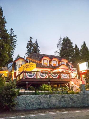 Arrowhead Lake Inn - Accommodation - Lake Arrowhead