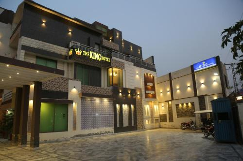 . The King Hotel