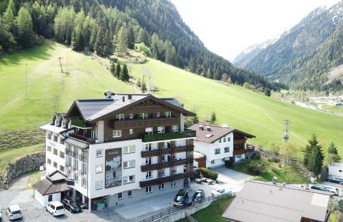 Aktivhotel Feichtner Hof - Hotel - Kaunertal