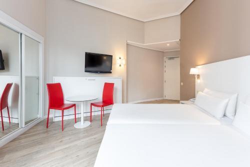 Hotel Madrid Gran Via 25 Affiliated by Meliá - image 14