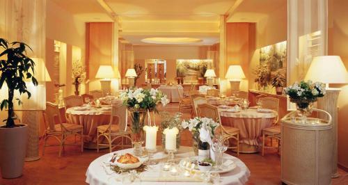 . Hotel Komeda