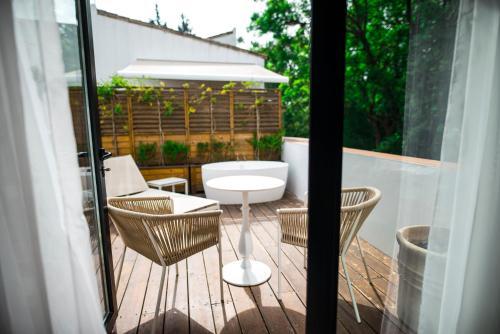 Royal Alcazar Premium with terrace and outdoor bath Hotel Legado Alcazar 6