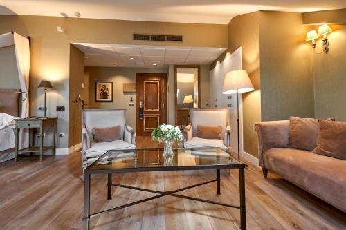 Superior Double Room Grand Hotel Don Gregorio 16
