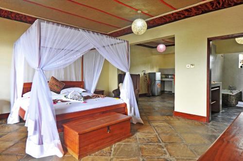 . Mwanzo Lodge