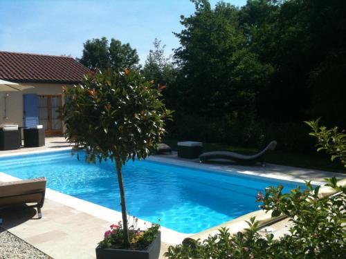 . Logis Hotel La Grange Du Relais