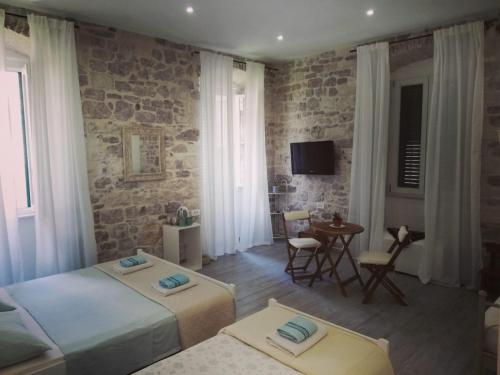 Rooms and Apartments Djanovic, Pension in Split