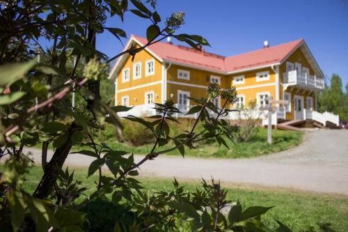Herranniemi Guesthouse - Accommodation - Vuonislahti