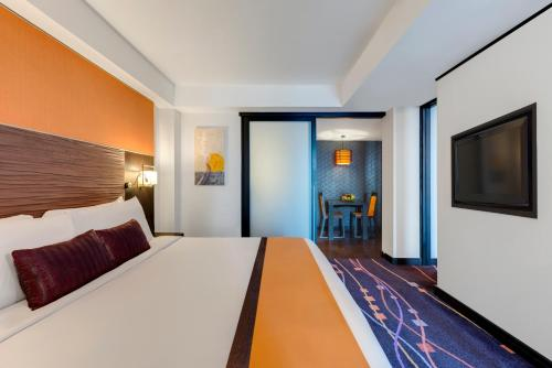 Radisson Suites Bangkok Sukhumvit photo 14