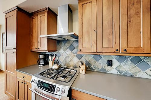 Luxury Villa #301 Next To Resort Hot Tub & Great Views - FREE Activities & Equipment Rentals Daily - Chalet - Winter Park