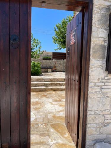 Omodos Village Houses - Photo 7 of 63