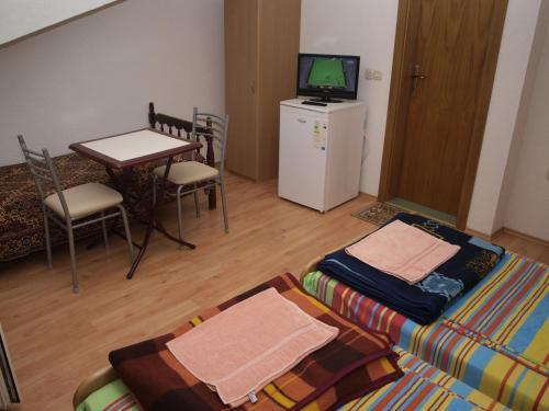 Bogdanoski Studios & Guest Rooms