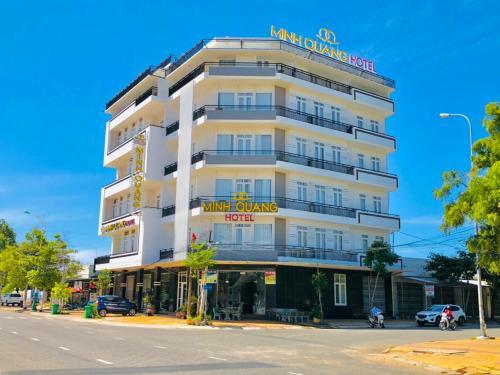 . Khách sạn Minh Quang