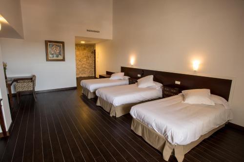 Dreibettzimmer Palacio del Infante Don Juan Manuel Hotel Spa 5