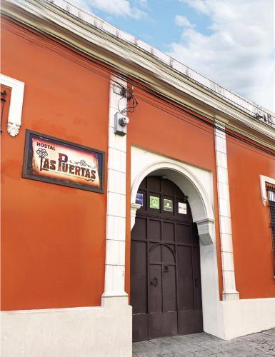 . Hostal Las Puertas