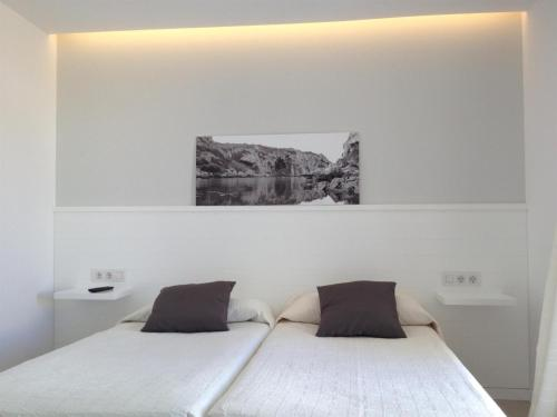 Double or Twin Room Hostal La Palma 15
