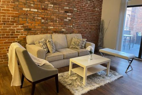 1BD w/Private Rooftop Terrace 2 Min to Riverwalk - Apartment - Detroit